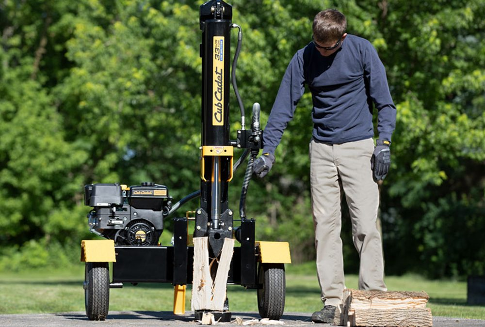 Using a Hydraulic Wood Splitter